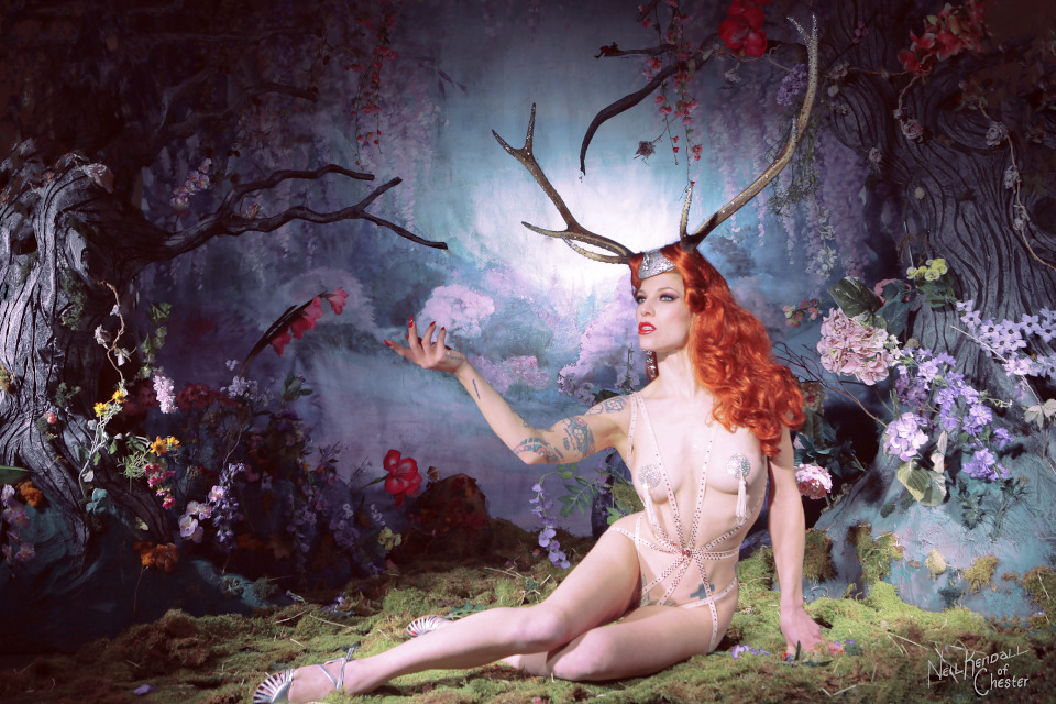 Kuenstleragentur-Berlin-Burlesque-HeldIn-141-5-Heroine-Artists