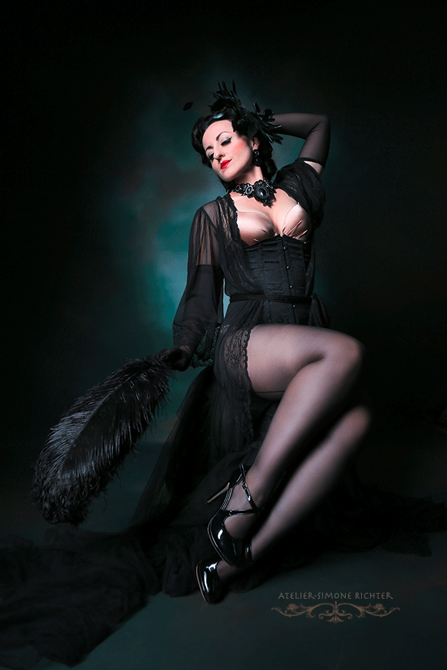 Kuenstleragentur-Berlin-Burlesque-HeldIn-108-03-Heroine-Artists