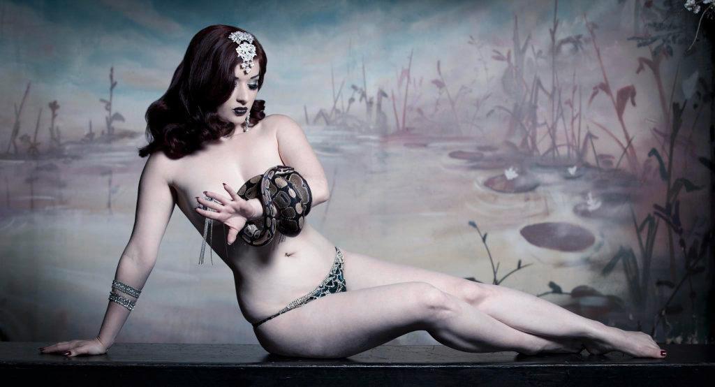 Kuenstleragentur-Berlin-Burlesque-HeldIn-113-11-Heroine-Artists