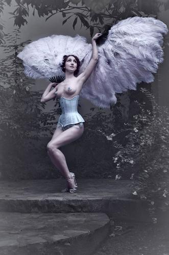 Kuenstleragentur-Berlin-Burlesque-HeldIn-118-10-Heroine-Artists