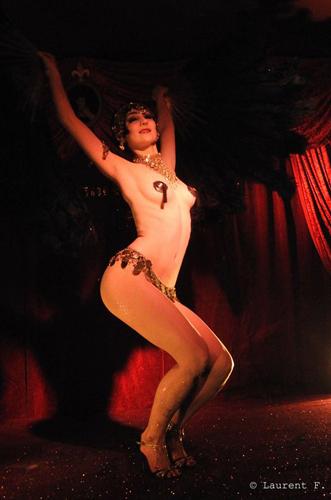 Kuenstleragentur-Berlin-Burlesque-HeldIn-118-15-Heroine-Artists