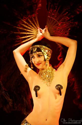 Kuenstleragentur-Berlin-Burlesque-HeldIn-118-02-Heroine-Artists