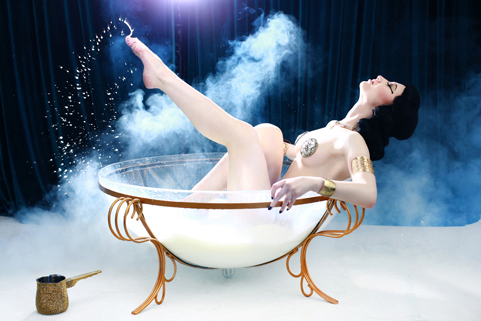 Kuenstleragentur-Berlin-Burlesque-HeldIn-130-23-Heroine-Artists