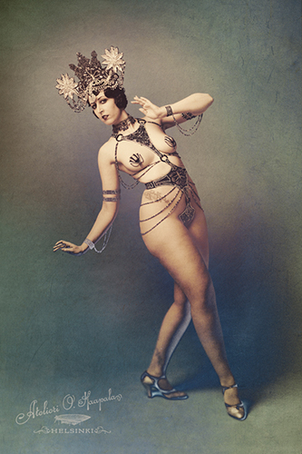 Kuenstleragentur-Berlin-Burlesque-HeldIn-135-01-Heroine-Artists