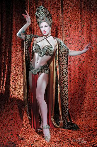 Kuenstleragentur-Berlin-Burlesque-HeldIn-141-04-Heroine-Artists