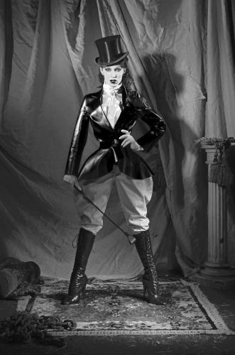 Kuenstleragentur-Berlin-Burlesque-HeldIn-141-08-Heroine-Artists