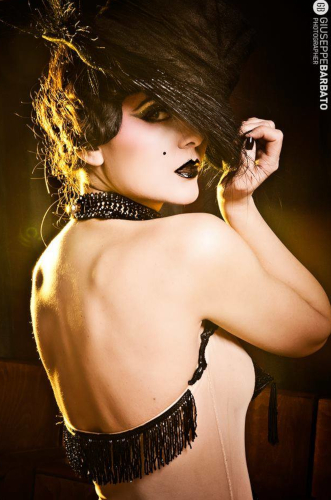 Kuenstleragentur-Berlin-Burlesque-HeldIn-143-1-Heroine-Artists
