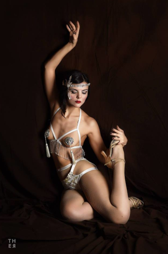 Kuenstleragentur-Berlin-Burlesque-HeldIn-143-3-Heroine-Artists